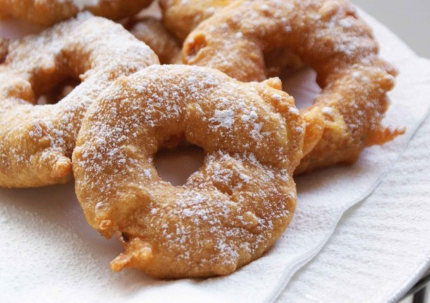 apple-fritters-1024x7231-e1418252161434