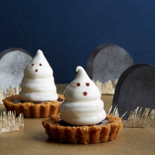 54f4a6eb8b7b9_-_fall-treats-meringue-ghost-tartlets-1014