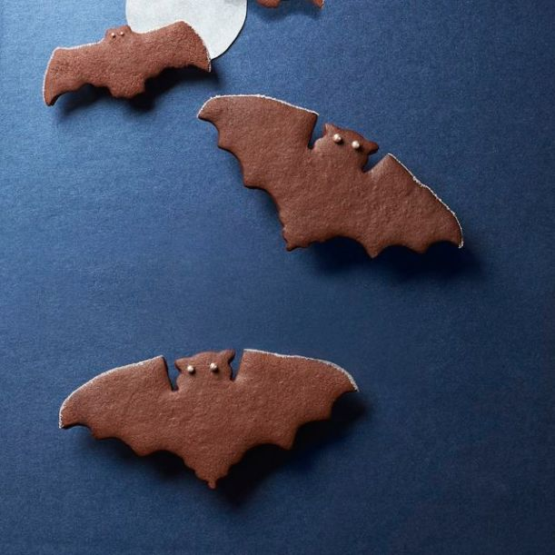 54f4b19e41972_-_fall-treats-spiced-chocolate-bat-cookies-1014