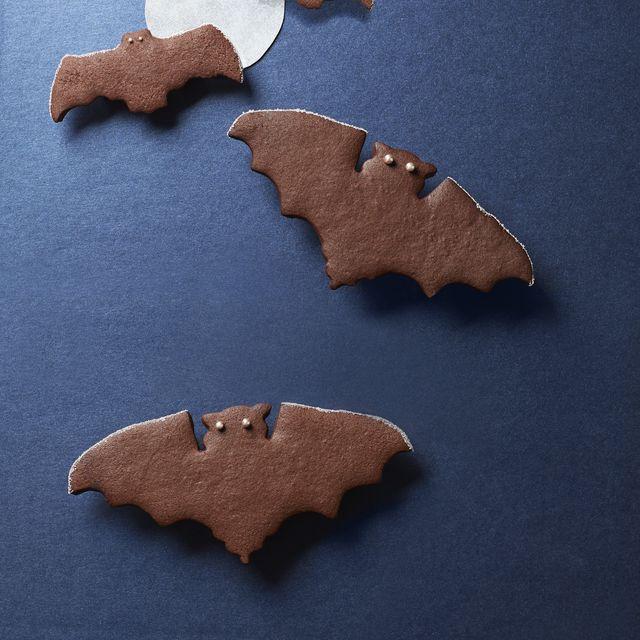 54f4b19e41972_-_fall-treats-spiced-chocolate-bat-cookies-1014
